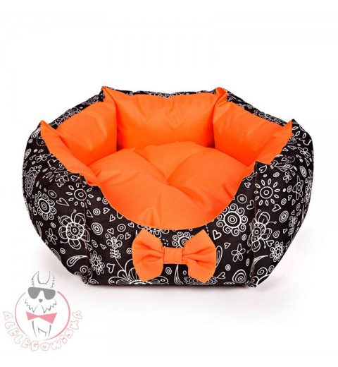 Star-shaped bed with orange lace
