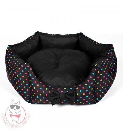 Star-shaped bed with colourful dots (black)