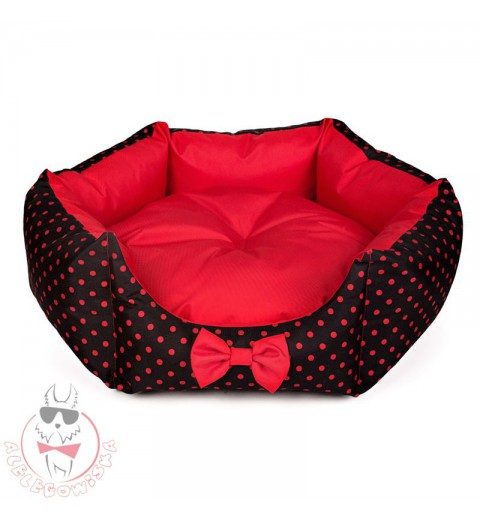 Star-shaped bed with red dots
