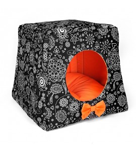 Kennel with orange lace
